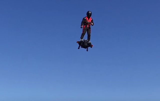 8928993_100-real-hoverboard-can-fly-up-to-a-height_8e755cf3_m